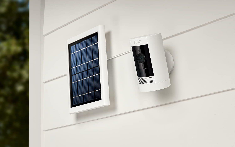 جهاز Stick Up Cam Solar من Ring